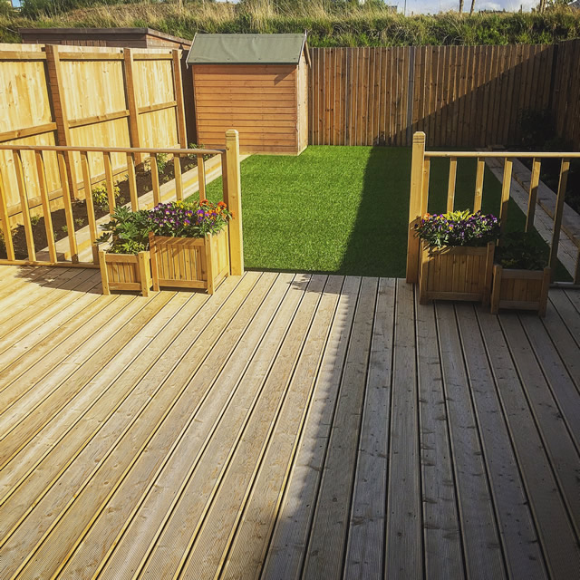 Garden decking holmbush fencing for Garden decking images uk