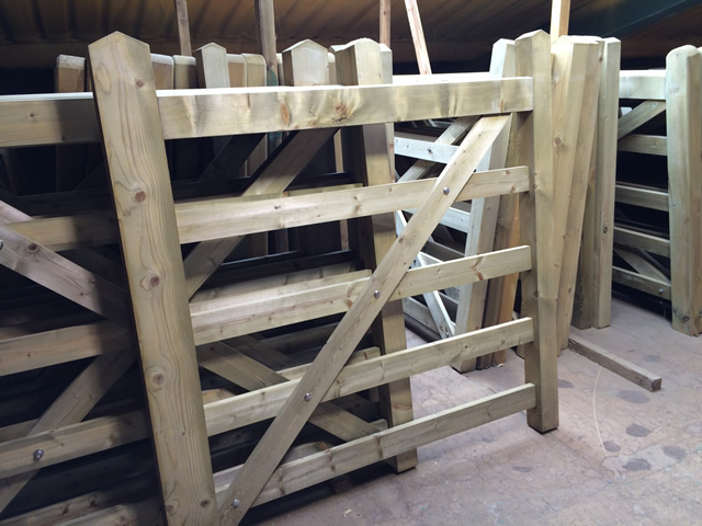 Sawn Field Gate