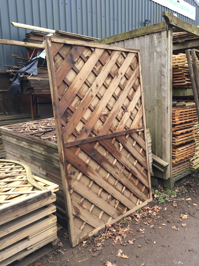 1-8 x 1-2 Continental Clearance Fencing x12