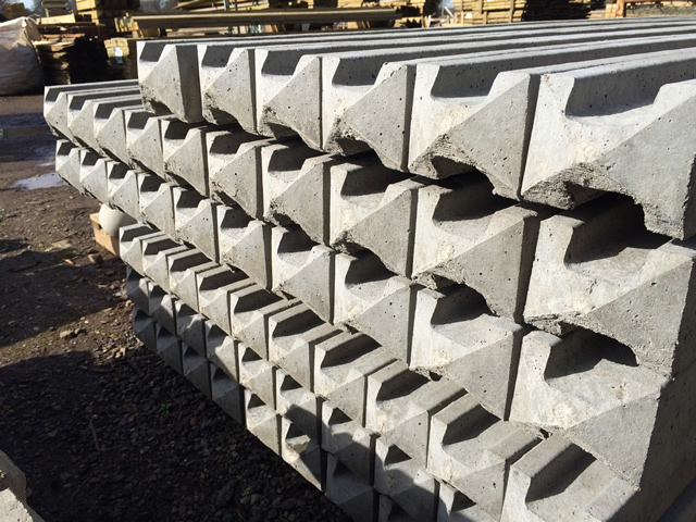 Slotted Point Top Concrete Fence Posts