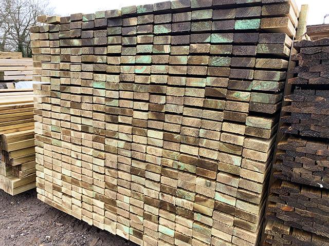 Fence softwood treated rails